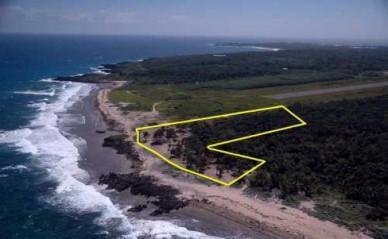 REMU0085, Swanix Bay: Eastern Utila Beachfront