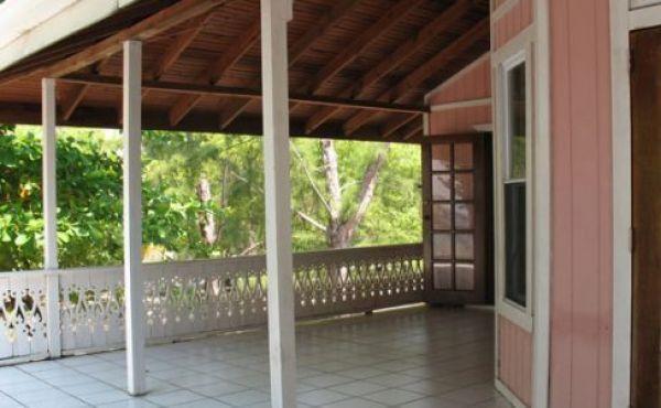 Ceramic-Tiled-Deck-488x326